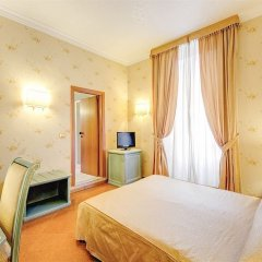 Hotel Giorgi сейф в номере