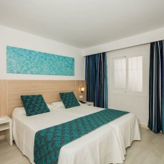 Отель Aparthotel Holiday Center комната для гостей фото 3