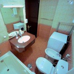 Отель Emirates Stars Hotel Apartment Sharjah ОАЭ, Шарджа - отзывы, цены и фото номеров - забронировать отель Emirates Stars Hotel Apartment Sharjah онлайн ванная