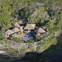 Отель One Private Island One Villa Савусаву спортивное сооружение