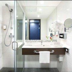 Отель Radisson Blu Hotel Lietuva Литва, Вильнюс - 5 отзывов об отеле, цены и фото номеров - забронировать отель Radisson Blu Hotel Lietuva онлайн ванная