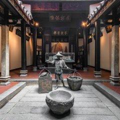 Отель AMOY by Far East Hospitality фитнесс-зал