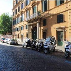 Отель Charming flat near Colosseum Рим парковка