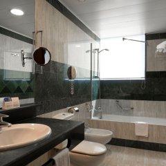 Hotel Vía Castellana ванная