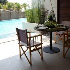 Отель Ananya Beachfront Condominium Паттайя бассейн