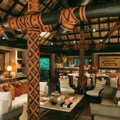 Отель Dolphin Island - Private Island гостиничный бар