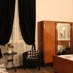 Отель Locanda Il Mascherino сейф в номере