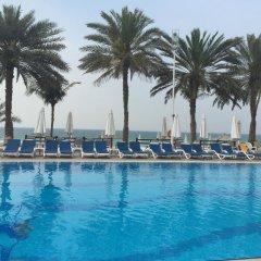 Отель Occidental Sharjah Grand бассейн фото 3