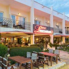 Отель Lotus Hotel Болгария, Солнечный берег - отзывы, цены и фото номеров - забронировать отель Lotus Hotel онлайн бассейн фото 3