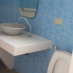 Отель Sophon.19 Apartment (Baan Klang Noen) Таиланд, Паттайя - отзывы, цены и фото номеров - забронировать отель Sophon.19 Apartment (Baan Klang Noen) онлайн ванная фото 2