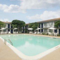Отель Americas Best Value Inn Fort Worth/Hurst бассейн фото 2