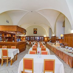 Отель Domus Maria гостиничный бар