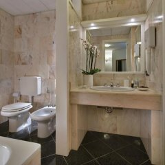 Отель Lo Zodiaco Италия, Абано-Терме - отзывы, цены и фото номеров - забронировать отель Lo Zodiaco онлайн ванная