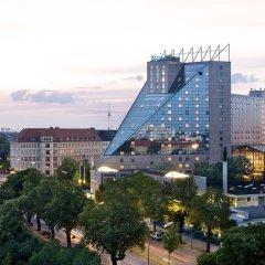 Estrel Hotel Berlin городской автобус