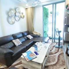 Апартаменты Bayhomes Times City Serviced Apartment интерьер отеля
