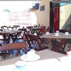 Отель Poupa Hotel Unidade Bairro Бразилия, Таубате - отзывы, цены и фото номеров - забронировать отель Poupa Hotel Unidade Bairro онлайн питание фото 2
