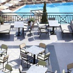 Отель Dolce Attica Riviera бассейн