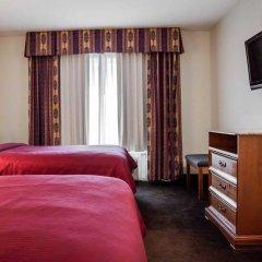 Отель Clarion Inn & Suites Clearwater сейф в номере
