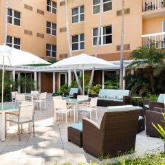 Отель Courtyard by Marriott Aventura Mall бассейн