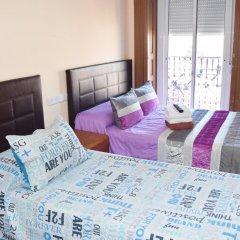 Отель Hostal Numancia Стандартный номер с различными типами кроватей (общая ванная комната)