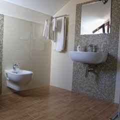 Отель B&B Al Chiaro dei Loy Италия, Пальми - отзывы, цены и фото номеров - забронировать отель B&B Al Chiaro dei Loy онлайн ванная
