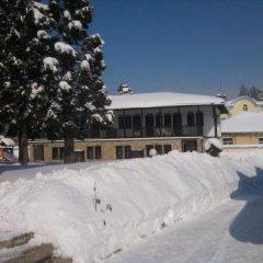 Отель Holiday Village Kedar Болгария, Долна баня - отзывы, цены и фото номеров - забронировать отель Holiday Village Kedar онлайн парковка