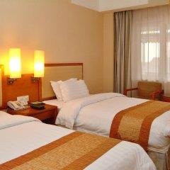 Guangdong Hotel комната для гостей