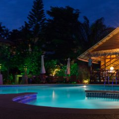 Отель Baan Sukreep Resort бассейн