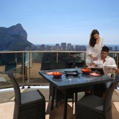 Отель Apartamentos Esmeralda Suites балкон