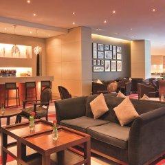 Апартаменты Movenpick Apartment Bur Dubai гостиничный бар