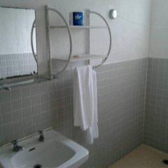 Отель South Park Hotel Micronesia Федеративные Штаты Микронезии, Понпеи - отзывы, цены и фото номеров - забронировать отель South Park Hotel Micronesia онлайн ванная