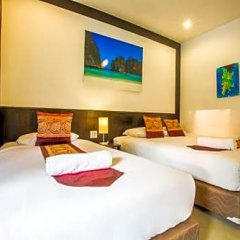 Отель Phuket Airport Guesthouse Таиланд, пляж Май Кхао - отзывы, цены и фото номеров - забронировать отель Phuket Airport Guesthouse онлайн комната для гостей фото 4