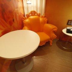 HOTEL THE HOTEL Shinjuku Kabukicho - Adult Only удобства в номере