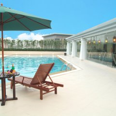 Rosedale Hotel and Suites Guangzhou бассейн