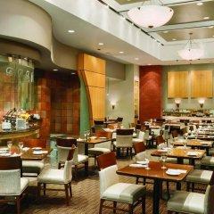 Отель DoubleTree by Hilton Hotel Toronto Downtown Канада, Торонто - отзывы, цены и фото номеров - забронировать отель DoubleTree by Hilton Hotel Toronto Downtown онлайн питание фото 2