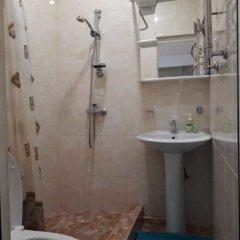 Гостиница Kvartira u morya 2 в Сочи отзывы, цены и фото номеров - забронировать гостиницу Kvartira u morya 2 онлайн ванная