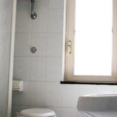 Отель Iside Италия, Помпеи - отзывы, цены и фото номеров - забронировать отель Iside онлайн ванная фото 2