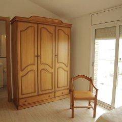 Отель Apartamentos Villa de Madrid Испания, Бланес - отзывы, цены и фото номеров - забронировать отель Apartamentos Villa de Madrid онлайн комната для гостей фото 5