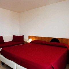 Отель MOROLLI Римини сейф в номере