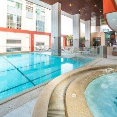 Отель Bandara Suites Silom Bangkok бассейн фото 3