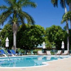 Отель Tobys Resort Ямайка, Монтего-Бей - отзывы, цены и фото номеров - забронировать отель Tobys Resort онлайн бассейн фото 3