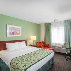 Отель Baymont Inn & Suites Jefferson City комната для гостей фото 5