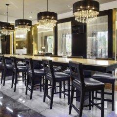 Отель LaGuardia Plaza Hotel США, Нью-Йорк - отзывы, цены и фото номеров - забронировать отель LaGuardia Plaza Hotel онлайн гостиничный бар