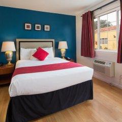 Отель The Alpine Inn & Suites комната для гостей фото 5