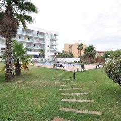 Отель Apartamentos Porto Mar Испания, Курорт Росес - отзывы, цены и фото номеров - забронировать отель Apartamentos Porto Mar онлайн приотельная территория фото 2