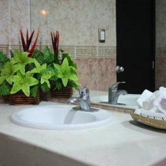 Hotel Embajadores ванная