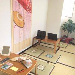 Отель 81's Inn Fukuoka - Hostel Япония, Хаката - отзывы, цены и фото номеров - забронировать отель 81's Inn Fukuoka - Hostel онлайн интерьер отеля фото 2