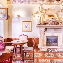 Отель U Krale Karla Чехия, Прага - 4 отзыва об отеле, цены и фото номеров - забронировать отель U Krale Karla онлайн интерьер отеля