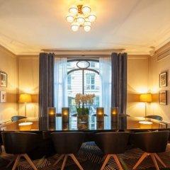 Отель Hôtel Vernet гостиничный бар