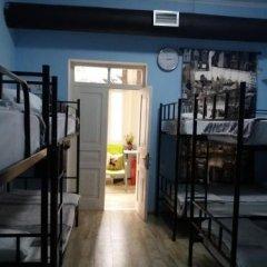 Отель Tbil Home Hostel Грузия, Тбилиси - отзывы, цены и фото номеров - забронировать отель Tbil Home Hostel онлайн комната для гостей фото 3